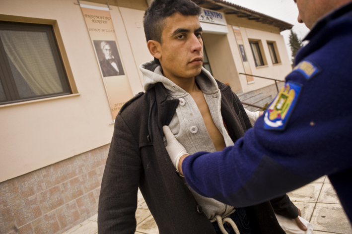 Frontex guards arrest 22-year-old Mohammed